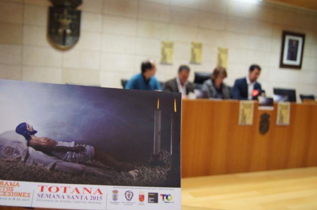 El Ayuntamiento edita 5.000 folletos informativos sobre los actos litúrgicos y culturales de la Semana Santa´2015