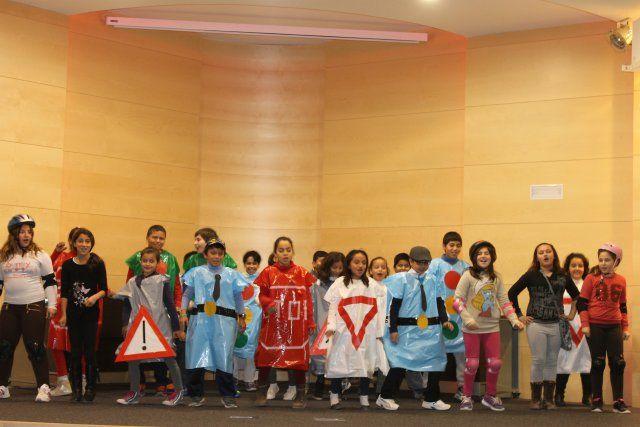 Niños de cuatro colegios participan en un nuevo festival de educación vial, Foto 5
