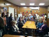 Autoridades municipales participan en las actividades organizadas con motivo del Día de la Mujer impulsadas por la Asociación de Amas de Casa, Usuarios y Consumidores las Tres Avemarías