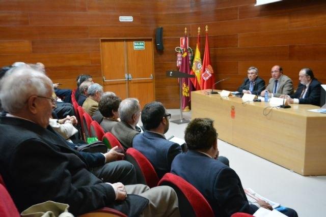 42 cronistas oficiales se reúnen en Murcia para analizar la labor de los maestros y las escuelas en la Región desde 1750 a 1950 - 1, Foto 1