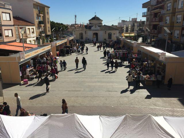 La Plaza del Ayuntamiento se convierte en un gran centro comercial con la séptima edición el outlet - 1, Foto 1