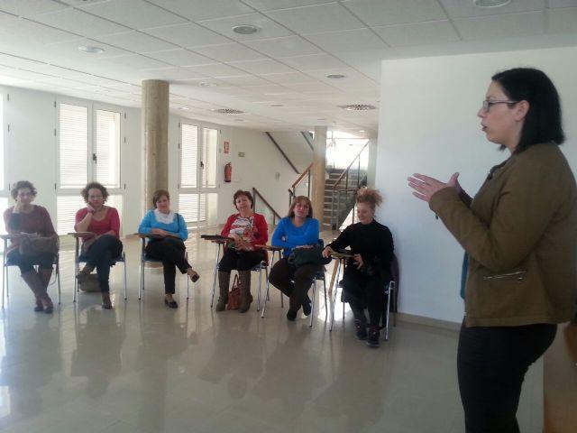 Comienza en Roldán un curso para mejorar las relaciones con las personas dependientes - 3, Foto 3
