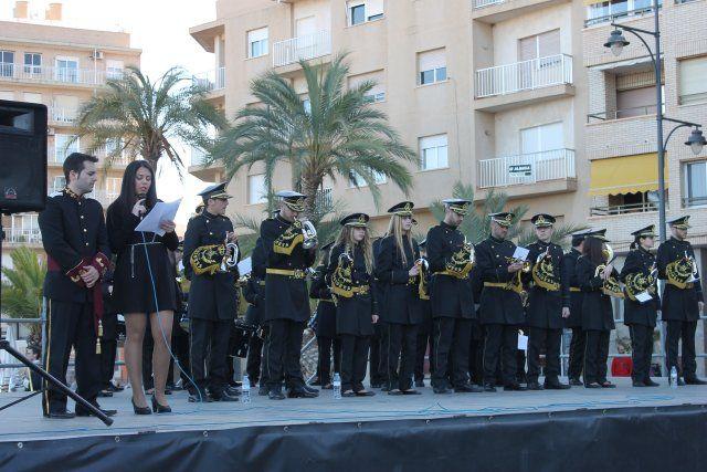 El I Certamen de Marchas Procesionales reúne a seis bandas de cornetas y tambores en el Paseo Marítimo, Foto 3