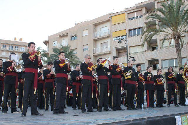 El I Certamen de Marchas Procesionales reúne a seis bandas de cornetas y tambores en el Paseo Marítimo, Foto 4