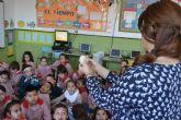El Ayuntamiento acerca su historia, tradiciones y entorno a los escolares del municipio