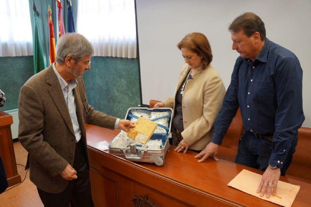 El Ayuntamiento deposita en el Archivo de la Región de Murcia la carta de venta del señorío de Ceutí del siglo XIV - 4, Foto 4