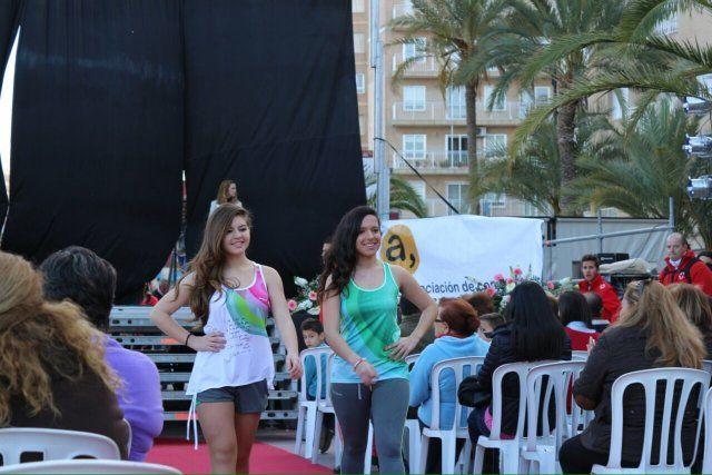 Un pasacalles huertano y un desfile de modelos animan las fiestas de San José, Foto 2