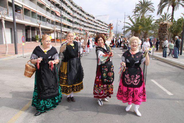 Un pasacalles huertano y un desfile de modelos animan las fiestas de San José, Foto 4