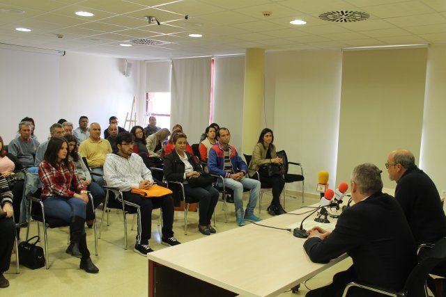 Un centenar de personas mejora su formación gracias a los cursos del CIME, Foto 2