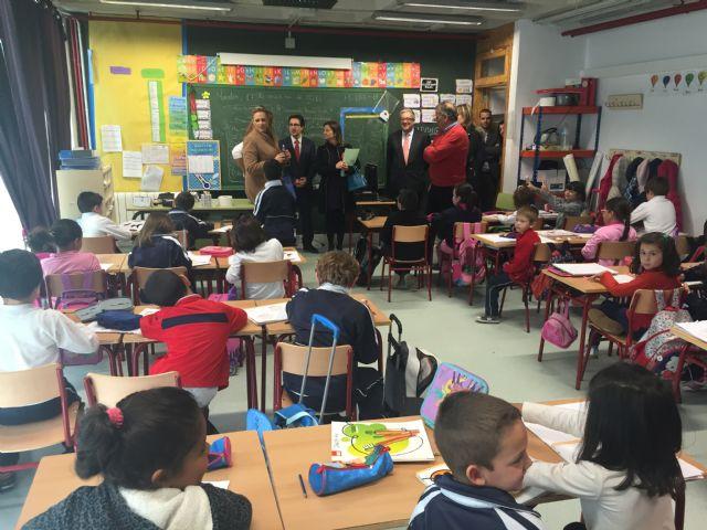 HIDROGEA entrega equipos informáticos a la Asociación Prometeo y al Colegio Nuestra Señora del Rosario de Torre-Pacheco - 1, Foto 1