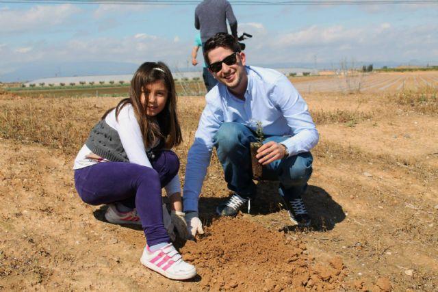 Éxito de participación en la jornada de plantación de árboles en El Pasico - 4, Foto 4