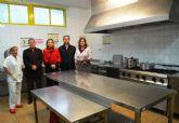 El alcalde y la concejala de Educación de Alguazas visitan el comedor del CEIP 'Nuestra Señora del Carmen'