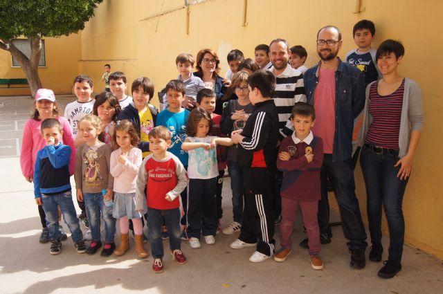 Más de una treinta de niños participan en la Escuela de Semana Santa