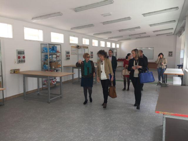 La alcaldesa de Torre-Pacheco y la subdirectora general de empleo visitan las obras del Centro del Conocimiento y de la Creatividad que fomenta el empleo juvenil - 1, Foto 1