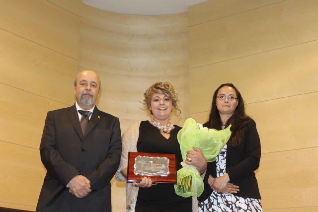 Luisa María Heredia recibe el premio a la mujer mazarronera 2015, Foto 1