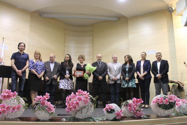Luisa María Heredia recibe el premio a la mujer mazarronera 2015, Foto 2