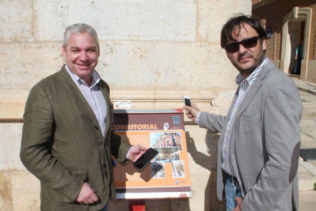 Audio guías QR se suman a la renovada cartelería de los edificiós históricos de Mazarrón, Foto 1
