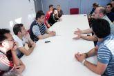 Gabriel Esturillo recoge las demandas que, desechadas por el PP, reclaman con urgencia la juventud y las asociaciones deportivas de Alcantarilla