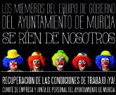 'Se ríen de nosotros'. Concentración de delegados sindicales del Ayuntamiento de Murcia en la Glorieta
