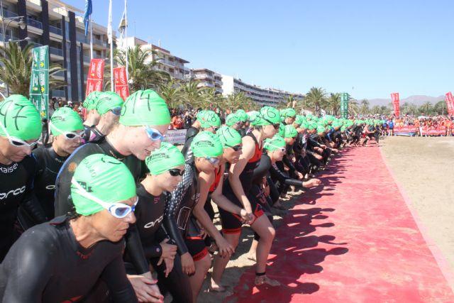 Cerca de mil participantes completaron desde Mazarrón una nueva edición del triatlón nacional de Fuente Álamo, Foto 1