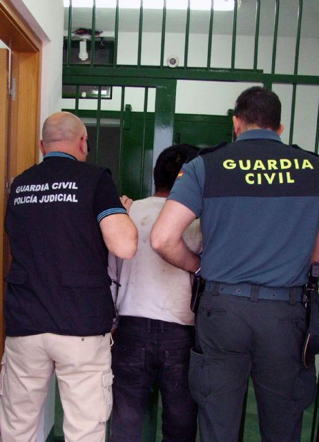 The Civil Guard detained a person for the abuse of a woman in Totana which turned deceased, Foto 3