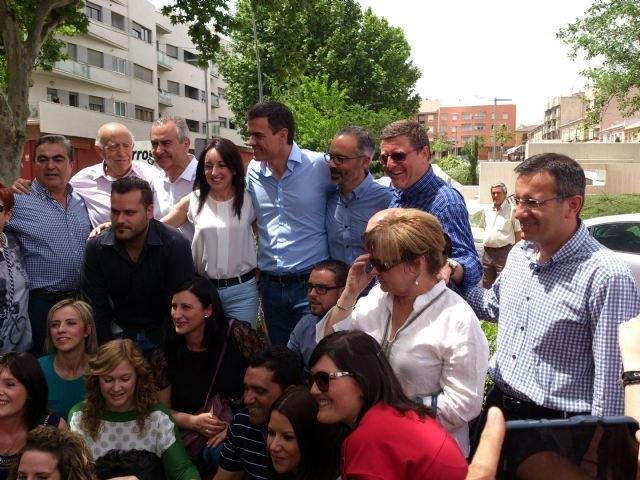 Pedro Sánchez da su apoyo al proyecto socialista de Alhama en un encuentro con el candidato Diego Conesa en Bullas, Foto 1
