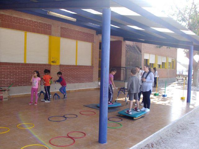 La concejalía de Igualdad trabaja con los escolares la Igualdad y la discapacidad con unas jornadas prácticas en los colegios - 1, Foto 1