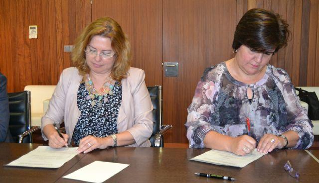 La Fundación CajaMurcia destina 3.000 euros a la financiación de la Universidad Popular - 2, Foto 2
