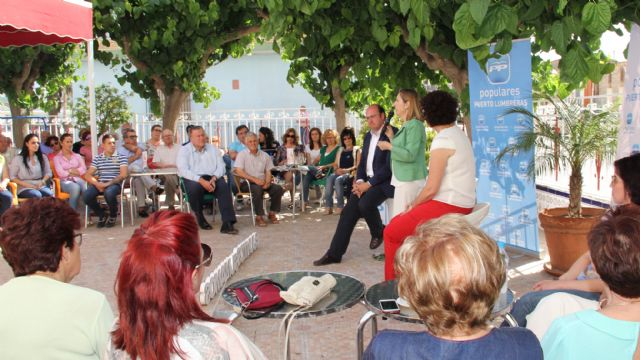 La ministra de Fomento visita Puerto Lumbreras donde mantiene un encuentro con afiliados y simpatizantes - 2, Foto 2