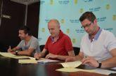 El Ayuntamiento renueva convenios de colaboración con el Consejo local de la Juventud y el grupo 'Coros y Danzas Mar Menor', de San Javier