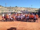 Victoria de la Escuela de Tenis Kuore frente a la Escuela de Tenis Huercal Overa en las pistas de la ciudad deportiva Valverde Reina