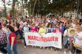Centenares de mujeres echan andar por Asteamur