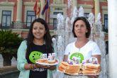 Cambiemos Murcia se merienda a los chorizos frente al Ayuntamiento