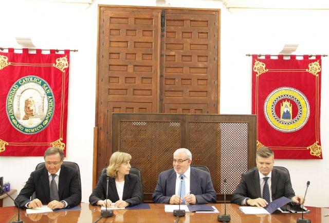 La UCAM crea la Cátedra de Neumología y Cirugía Torácica - 1, Foto 1
