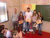 Dos alumnos del IES 'Salvador Sandoval' torreño, entre los 10 primeros en la 'VI Olimpiada de Economía y Empresa'