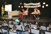 La asociación ADAPT interpreta una divertida obra teatral en inglés para los colegios del municipio