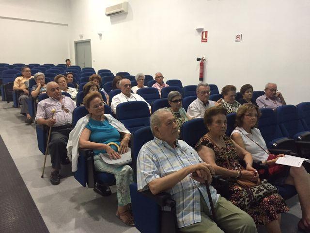 Concluye el ciclo de conferencias para mayores para promover la salud en este sector de la sociedad pachequera - 1, Foto 1