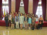 La Concejal de Educación recibe a estudiantes y profesores del CEU San Pablo de Murcia y del Lycee Saint Exupery de Montigny en París
