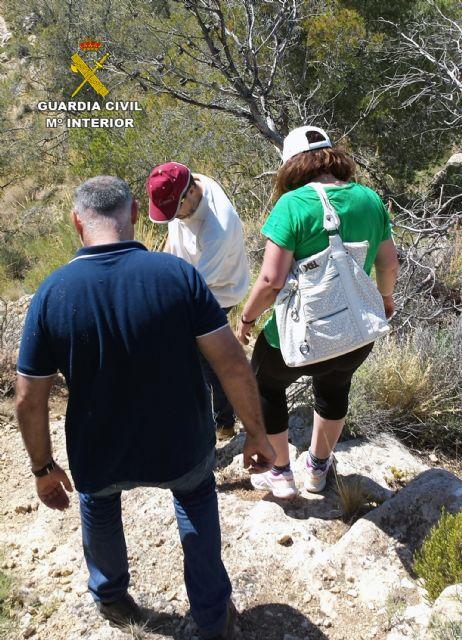 La Guardia Civil auxilia a una joven en el cerro de Ricote - 5, Foto 5
