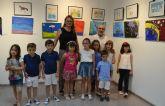 La exposición PinatArt recoge las obras de los alumnos del taller municipal de dibujo y pintura