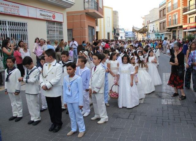 Los niños y niñas lumbrerenses que hicieron su Primera Comunión celebran la procesión del Corpus 2015 - 1, Foto 1