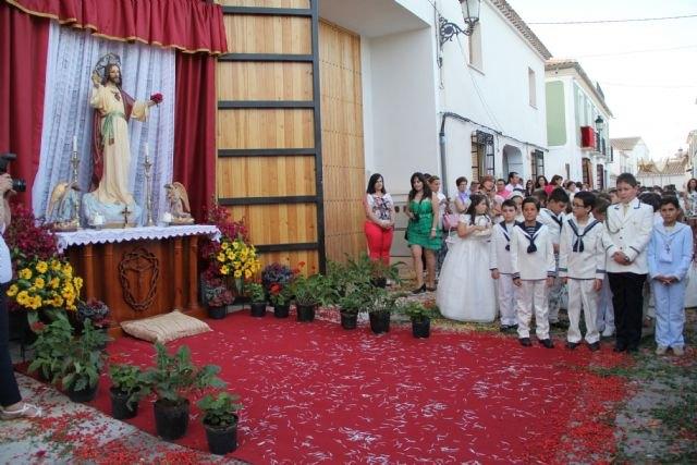 Los niños y niñas lumbrerenses que hicieron su Primera Comunión celebran la procesión del Corpus 2015 - 2, Foto 2