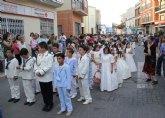 Los niños y niñas lumbrerenses que hicieron su Primera Comunión celebran la procesión del Corpus 2015