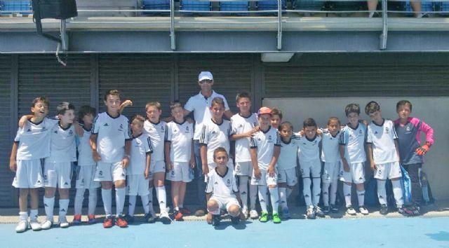 Cerca de 20 alumnos lumbrerenses disfrutan de una jornada de convivencia en las instalaciones de la Fundación Real Madrid - 2, Foto 2