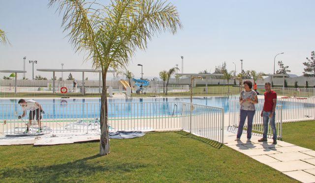 Puesta a punto de las piscinas municipales para su apertura para este verano 2015 - 1, Foto 1