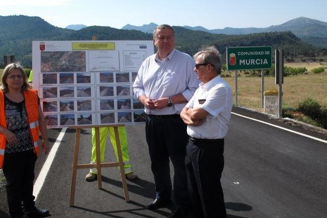 Fomento amplía y mejora la carretera que comunica la Región con la localidad albaceteña de Nerpio - 1, Foto 1