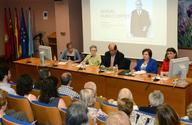 Discípulas del profesor Manuel Muñoz Cortés homenajean su figura en un acto de la Universidad de Murcia - 1, Foto 1