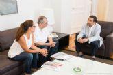 El alcalde se muestra receptivo ante el nuevo proyecto de Centro de Día de ASTUS