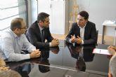 El consejero de Presidencia y Empleo en funciones, José Gabriel Ruiz, visita en Alcantarilla uno de los programas de empleo y formación