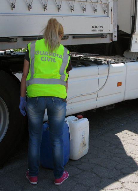 La Guardia Civil desmantela un grupo delictivo que sustraía gasoil a camiones en Totana y lo comercializaba de forma ilícita